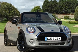 Cooper Convertible Auto (Pepper) - Available at 5.9% APR with a £500 Deposit Contribution