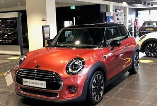 MINI Exclusive 3 door hatch. 3.9% APR available.