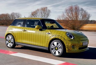MINI COOPER SE REVIEW: WE DRIVE THE ELECTRIC PROTOTYPE.
