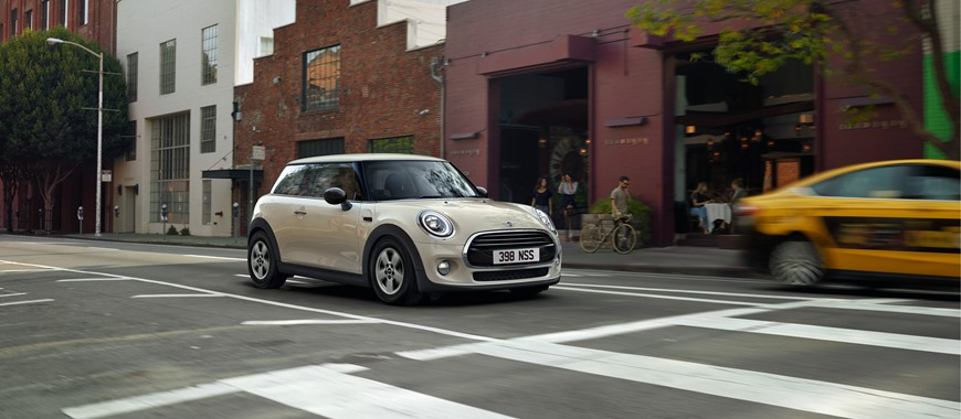 Stratstone Mini Derby New Approved Used Mini Retailer