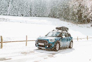 A Festive Loyalty offer from MINI