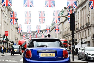 Take on London with MINI.