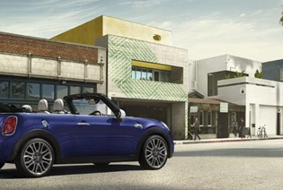 MINI CONVERTIBLE VICTORIOUS AT AUTO EXPRESS AWARDS 2018.