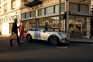 MEET THE NEW MINI ELECTRIC