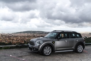 MINI Countryman S E PHEV vs VW Golf GTE vs Mitsubishi Outlander PHEV