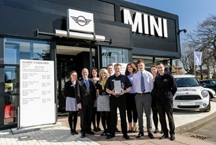 MINI RETAILER OF THE YEAR AWARDS 2016