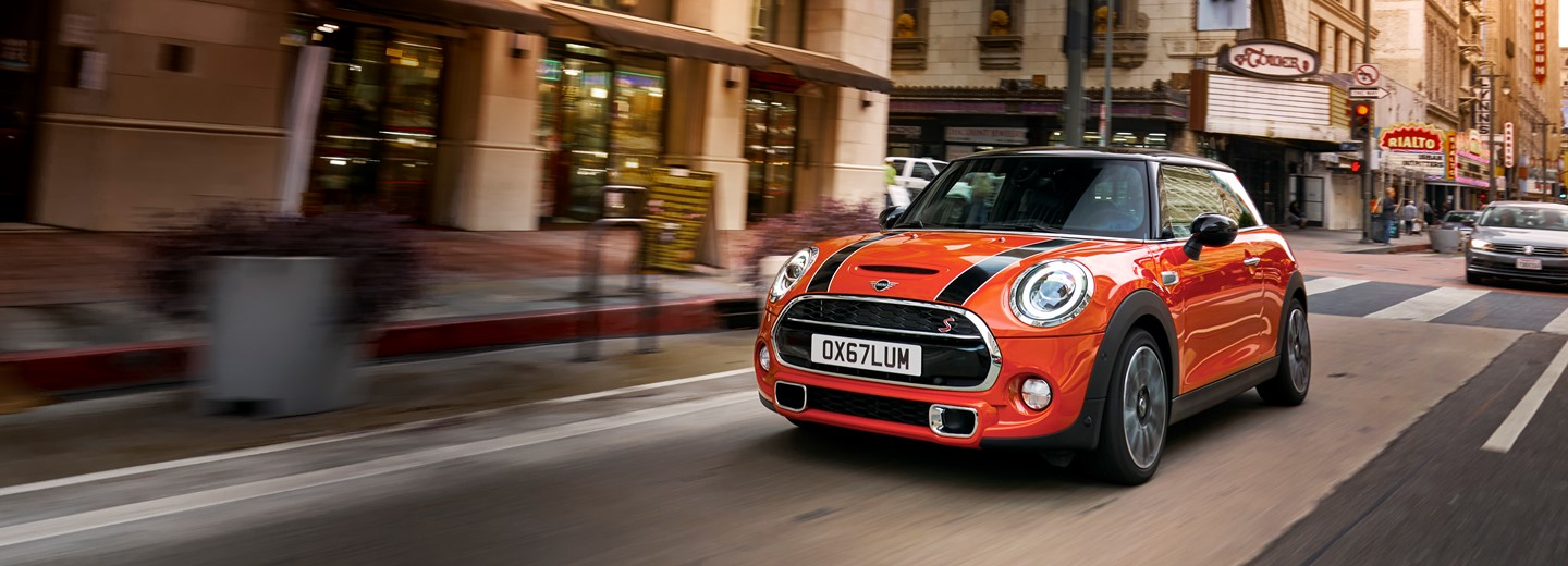 Chandlers Mini Hailsham New Approved Used Mini Retailer