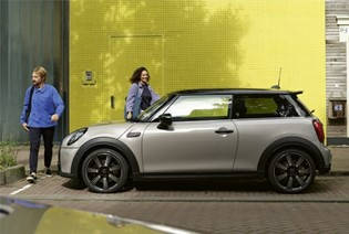THE NEW MINI 3-DOOR HATCH.